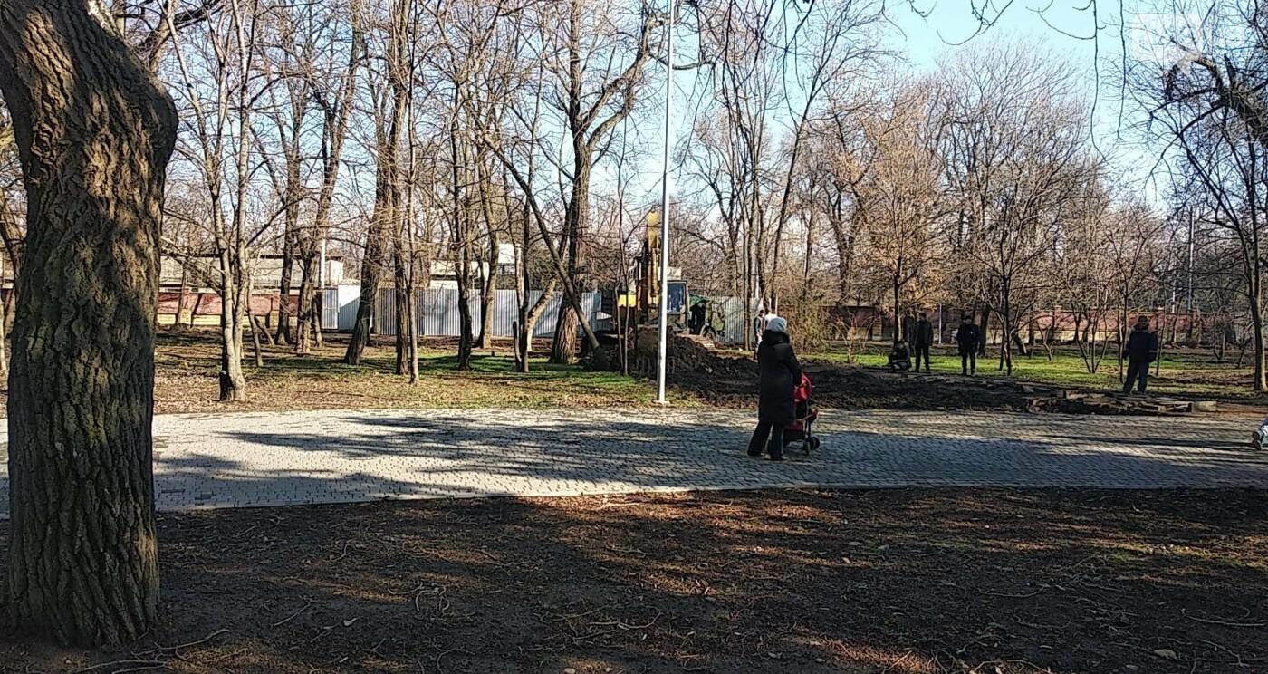 Побег коня из Одесского зоопарка.