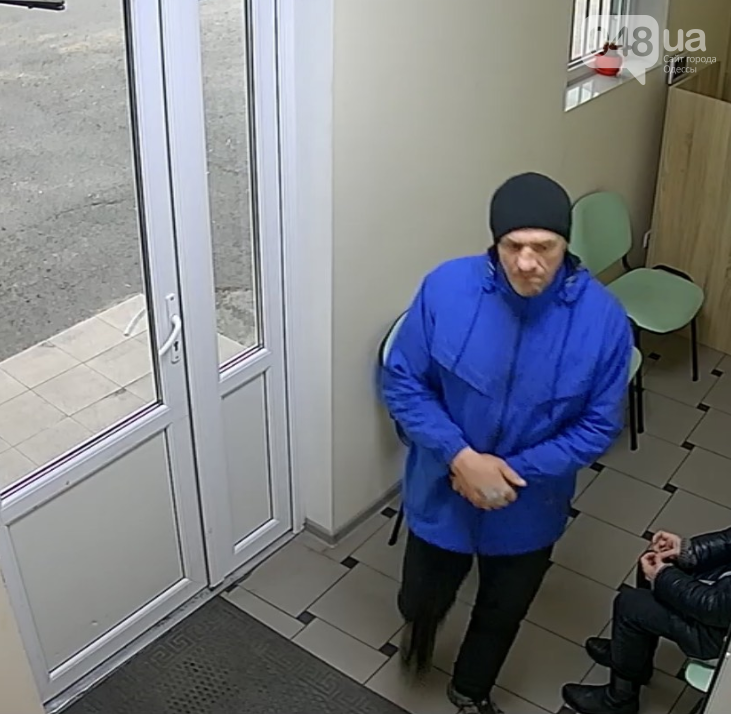 Подозреваемый в краже сумки из камеры хранения в медцентре.