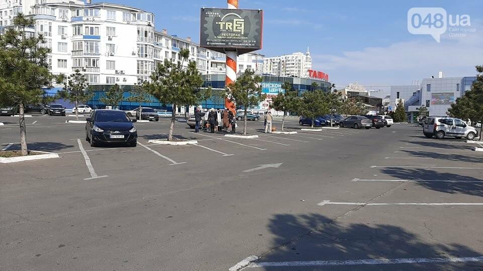 Карантин в Одессе: жители Киевского района не особо активно идут освящать паски, - ФОТО, фото-9