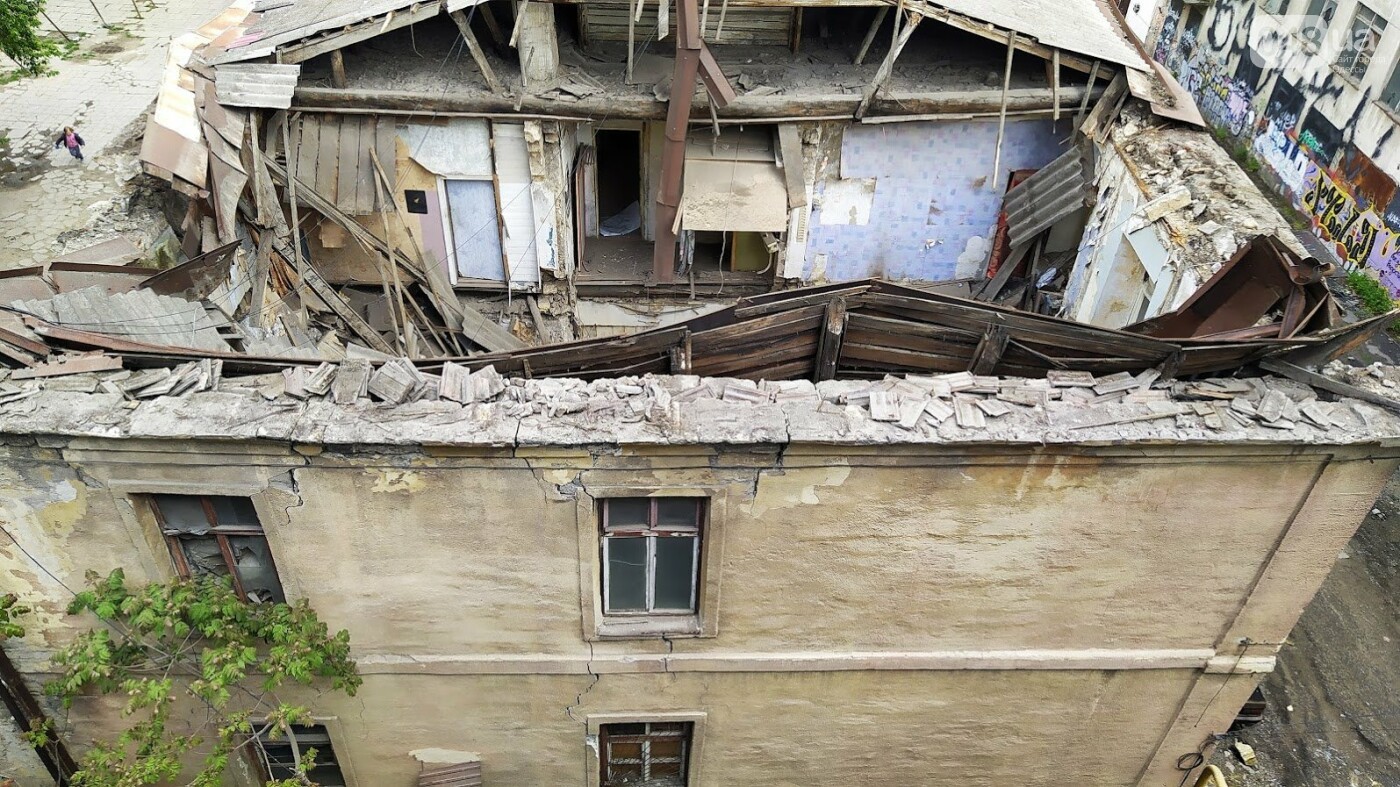 На Деволановском спуске в Одессе обрушился дом.