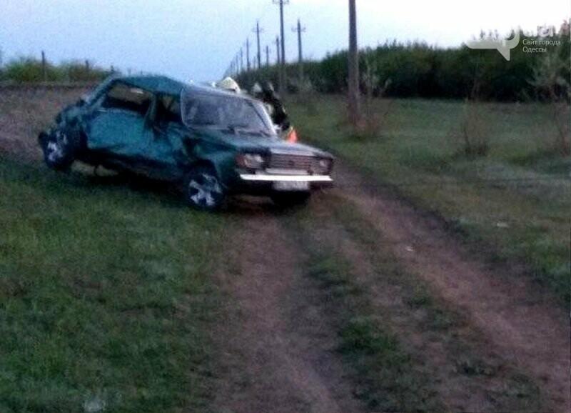 Тепловоз наехал на «Жигули» в Одесской области, есть пострадавшие,- ФОТО, фото-2