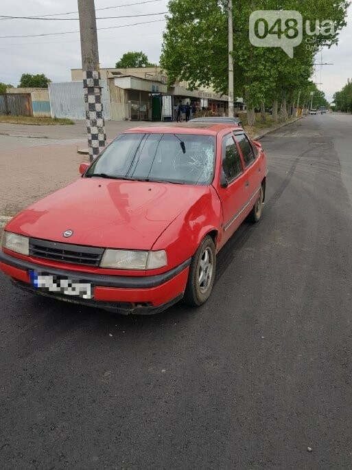 В Одессе автомобиль сбил мужчину: пешеход выскочил на проезжую честь, - ФОТО, ВИДЕО, фото-1