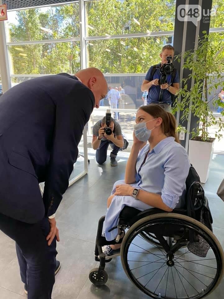 Одесские власти повесили табличку, которая оскорбляет людей с инвалидностью, - ФОТОФАКТ, фото-2, Суворовская районная администрация.