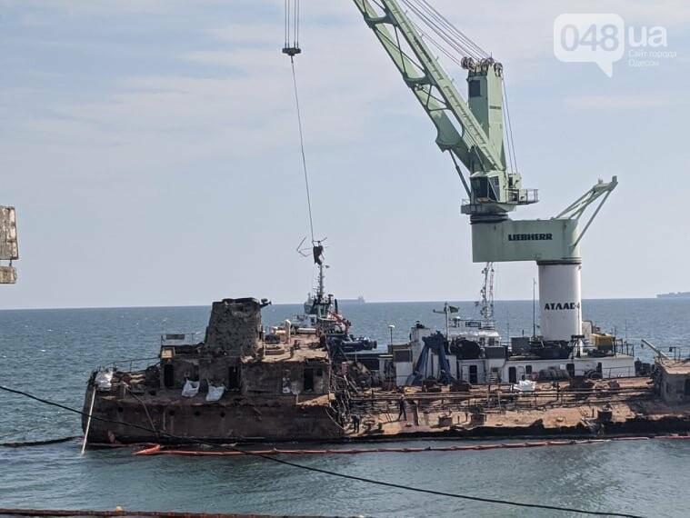 В Одессе к Delfi пришвартовали плавучий кран,- ФОТО, фото-3
