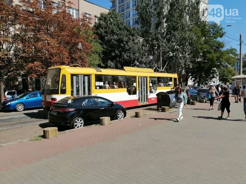 В Одессе остановились трамваи №5 и №28 , - ФОТО, ВИДЕО1
