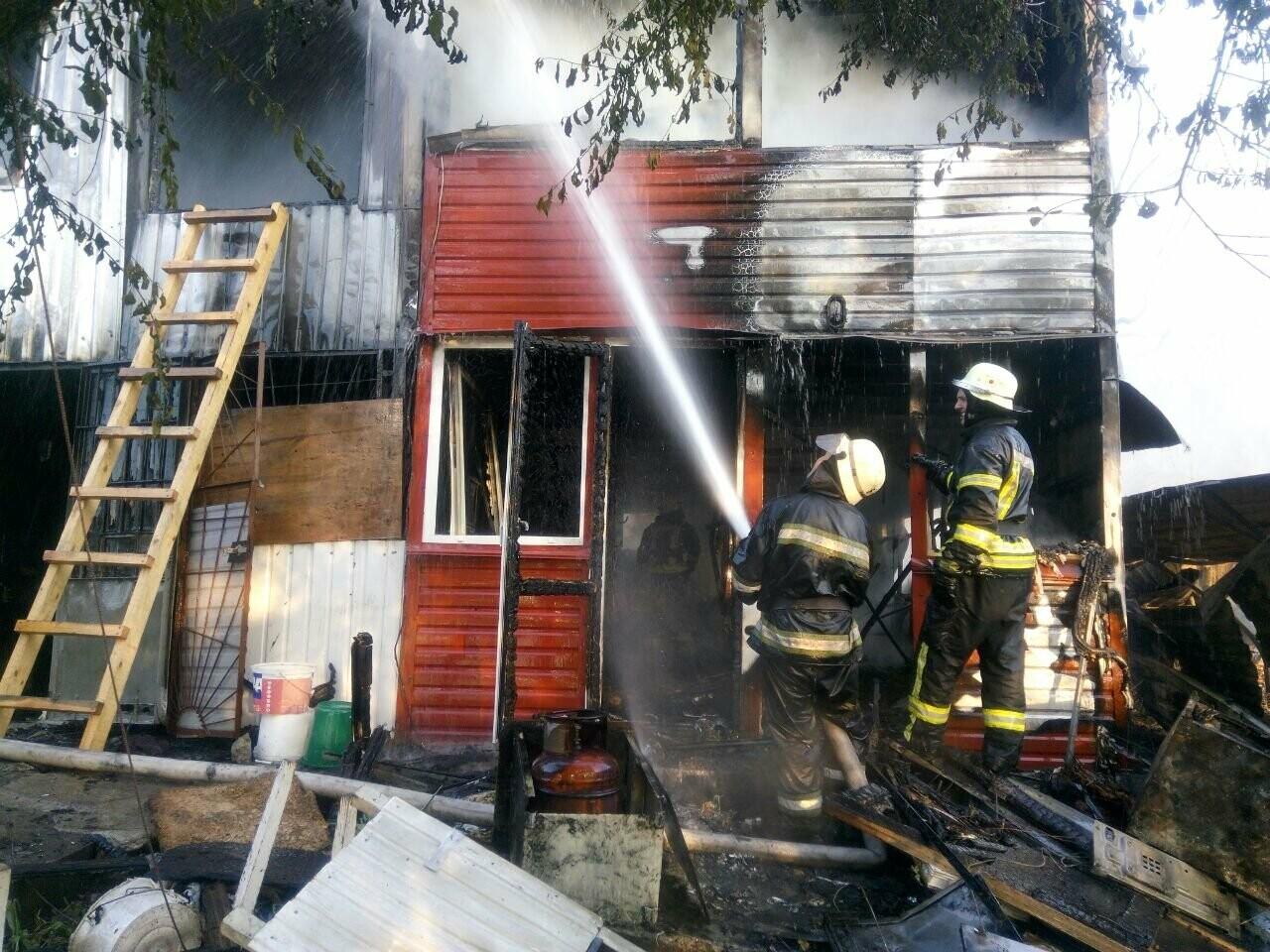 В Одессе случился масштабный пожар: горели рыбацкие домики, - ФОТО3