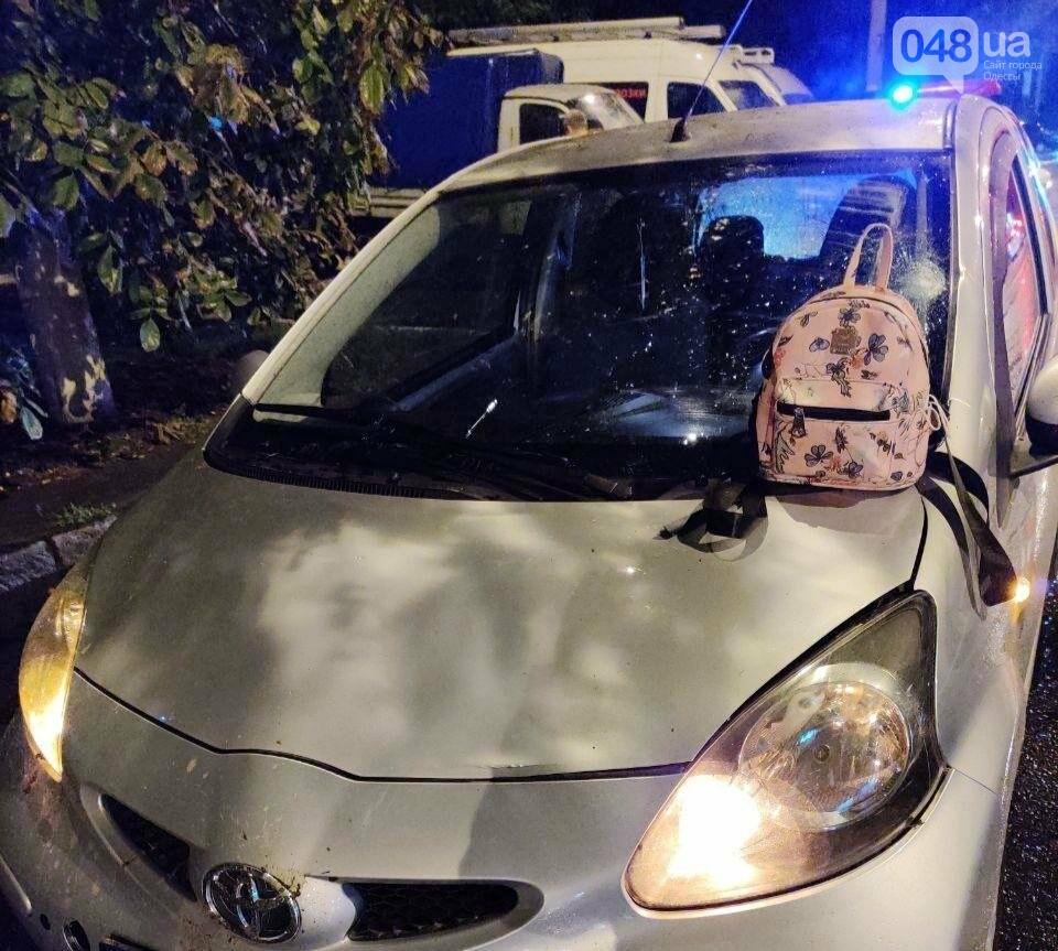 В Одессе автомобиль сбил девушку, - ФОТО2