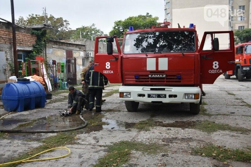 В Одессе пожарные тушили гаражи, - ФОТО2