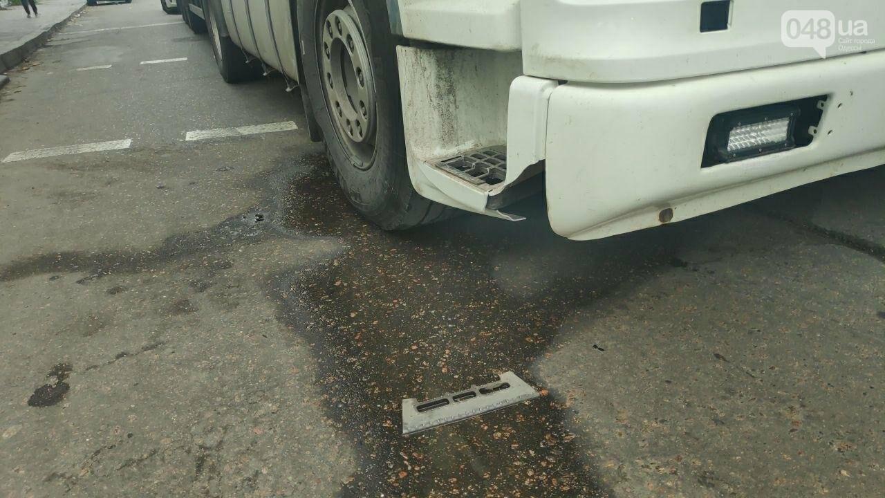 В Одессе грузовик наехал на женщину, она получила травмы, - ФОТО1