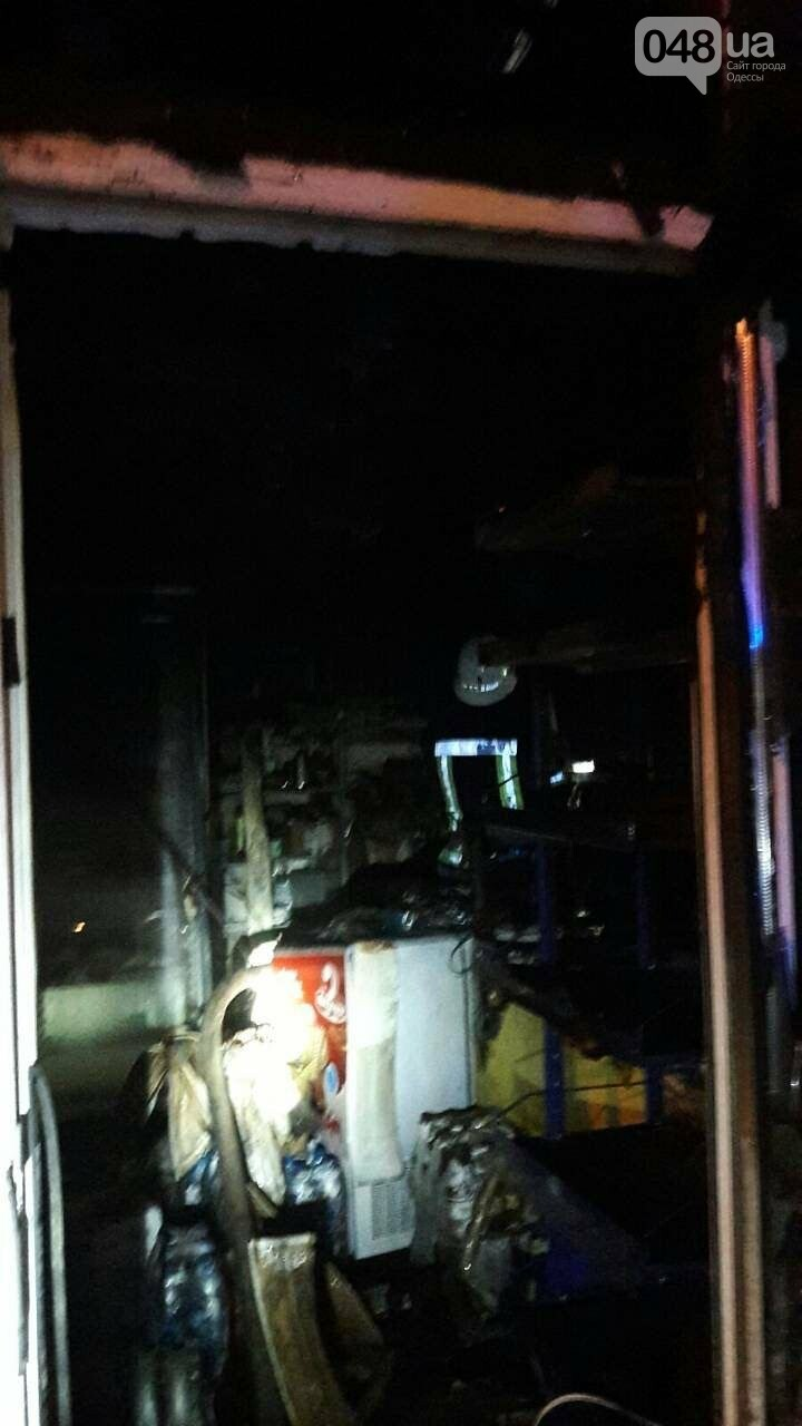В Одессе на Таирова горел магазин, - ФОТО2
