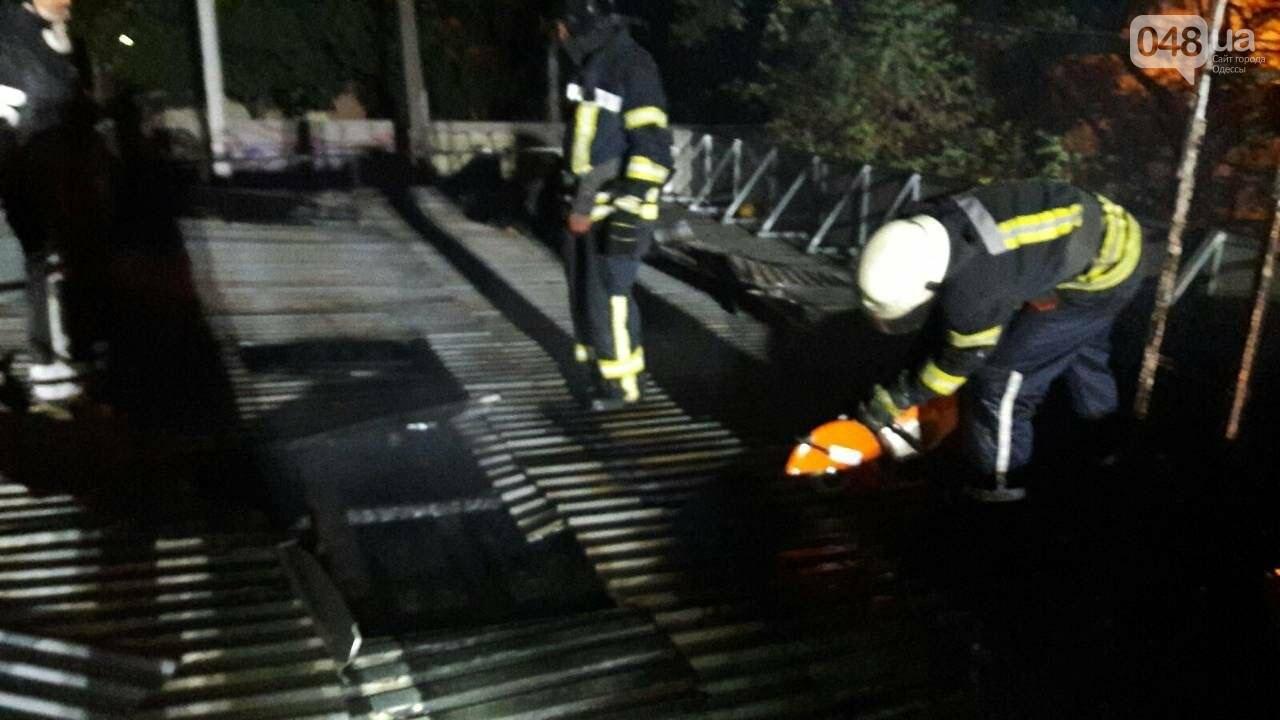 В Одессе на Таирова горел магазин, - ФОТО1