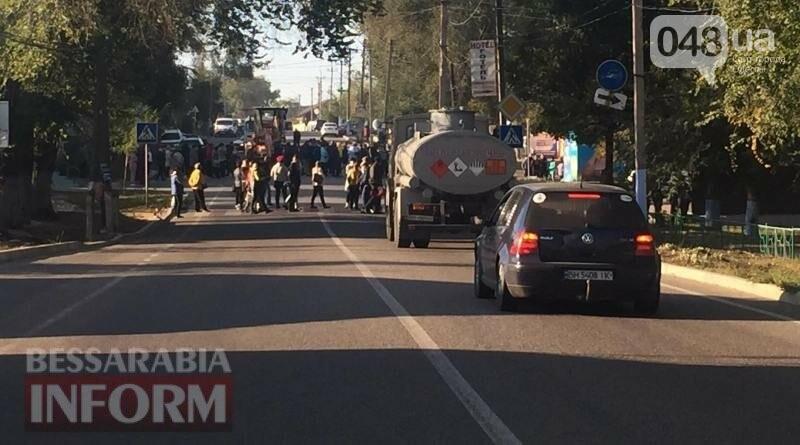 В Одесской области бастуют из-за закрытия рынка на карантин, перекрыли трассу,- ФОТО, фото-3