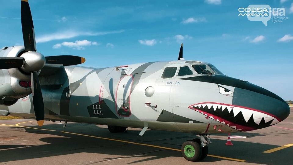 В Одесский аэропорт прилетел голливудский самолет, - ФОТО, фото-2