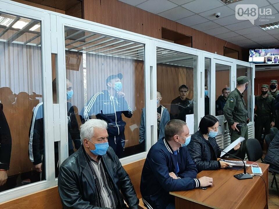 В Одессе на судебном заседании семеро заключенных вскрыли вены,- ФОТО, фото-5