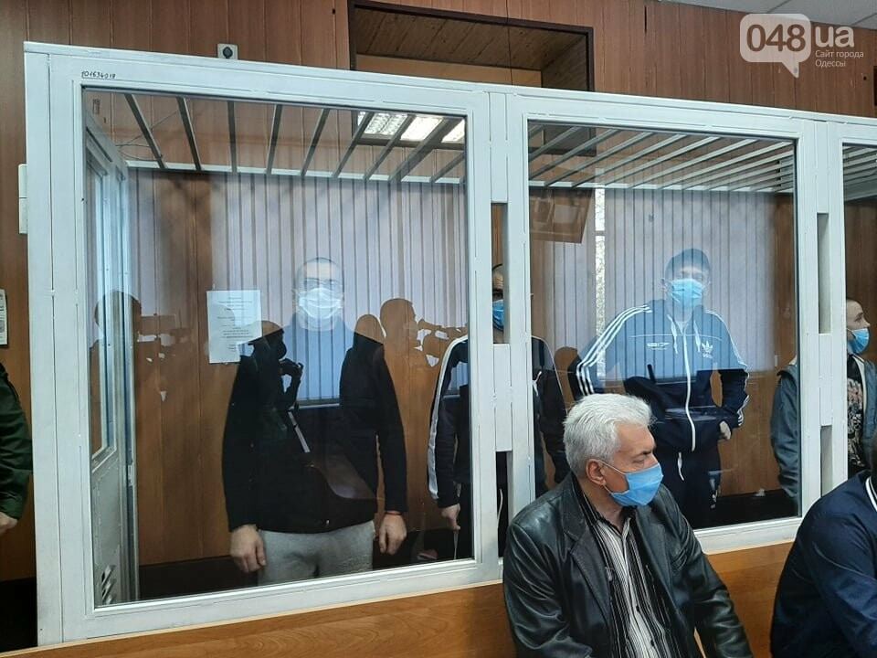 В Одессе на судебном заседании семеро заключенных вскрыли вены,- ФОТО, фото-4
