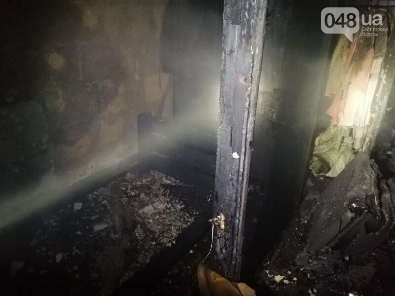 В Одессе, во время пожара квартиры, пострадала пожилая женщина, - ФОТО, фото-4