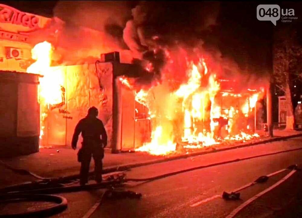 Горячая шаурма: в Одессе ночью сгорел киоск,- ФОТО, фото-11