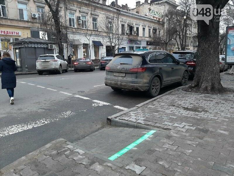 В Одессе появился новый лежачий светофор, - ФОТО, ВИДЕО, фото-5