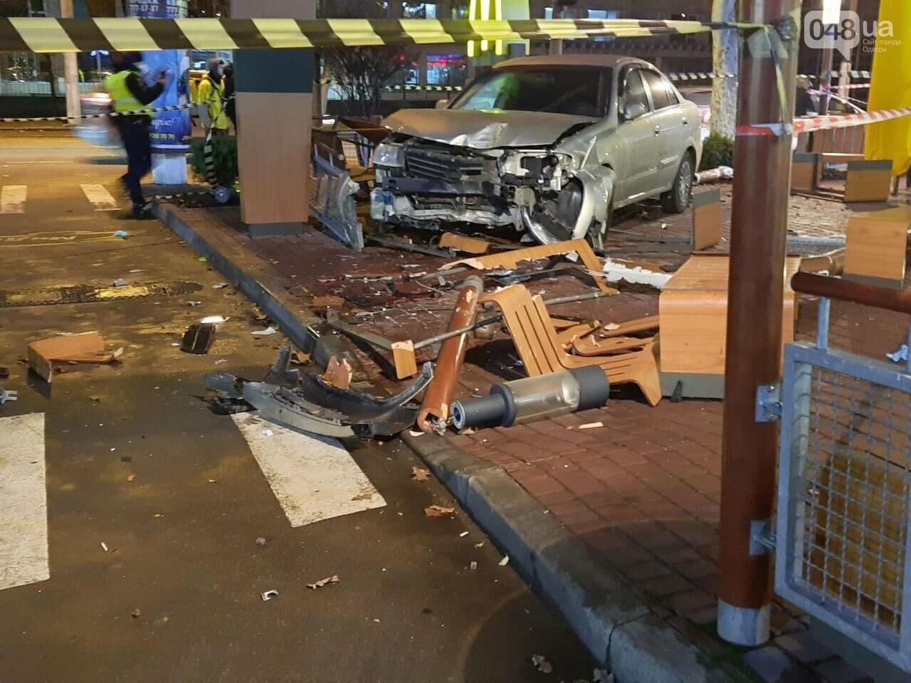 Стало плохо за рулём: в полиции прокомментировали резонансное ДТП в Одессе, - ФОТО, ВИДЕО, фото-7