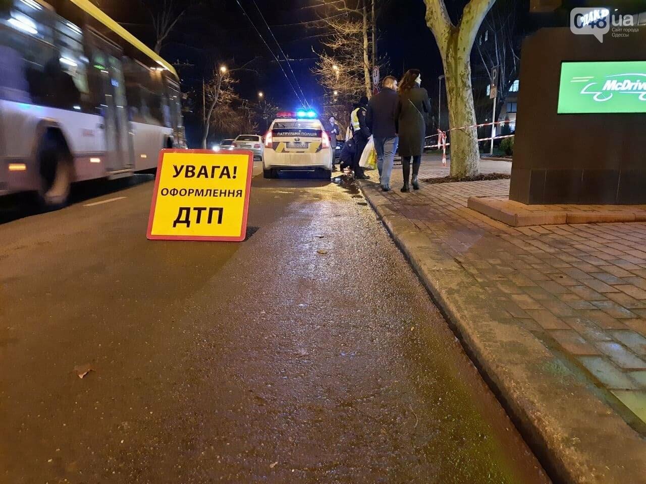 Стало плохо за рулём: в полиции прокомментировали резонансное ДТП в Одессе, - ФОТО, ВИДЕО, фото-4