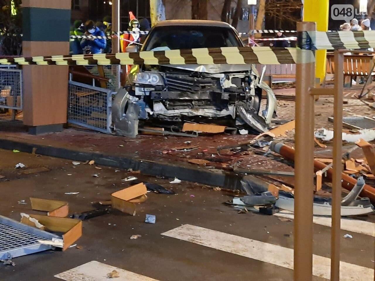 Стало плохо за рулём: в полиции прокомментировали резонансное ДТП в Одессе, - ФОТО, ВИДЕО, фото-1