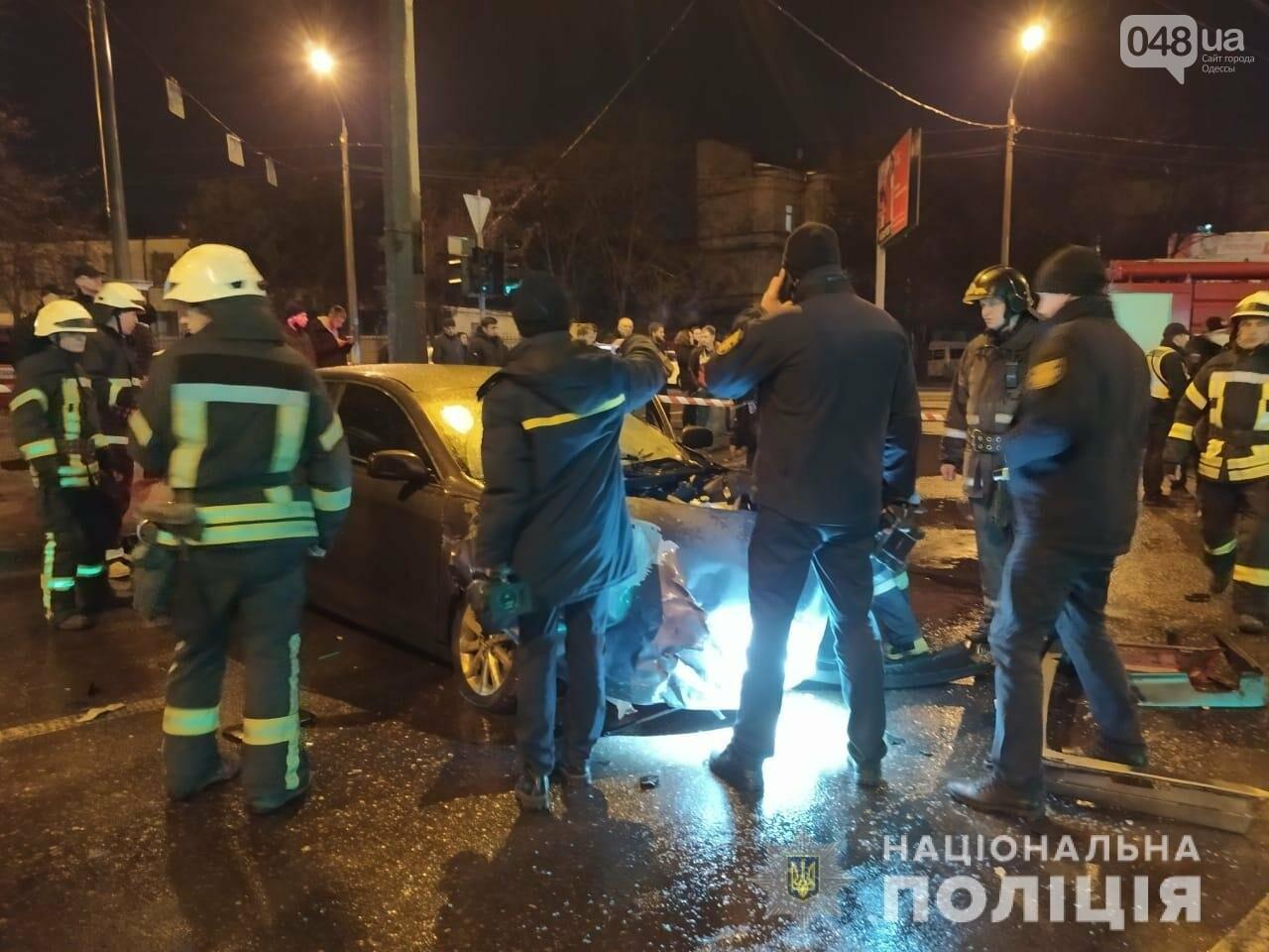 В Одессе в ночном ДТП погибли два человека, - ФОТО, ВИДЕО, ОБНОВЛЕНО, фото-4