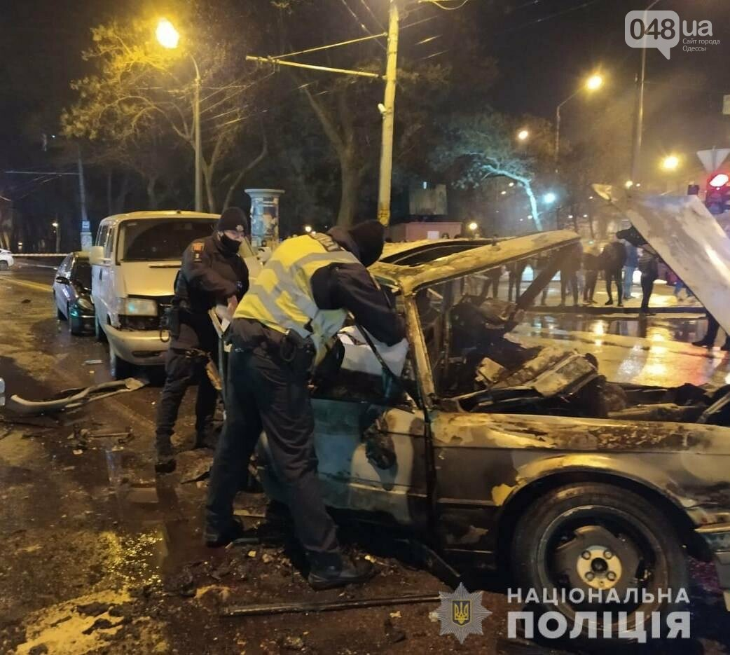 В Одессе в ночном ДТП погибли два человека, - ФОТО, ВИДЕО,..., фото-33