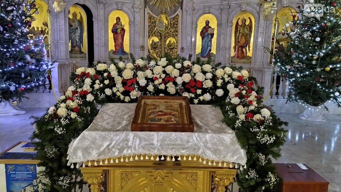 Фотопятница: как в Одессе украсили церкви на Рождество, - ФОТОРЕПОРТАЖ, фото-18, ФОТО: Александр Жирносенко