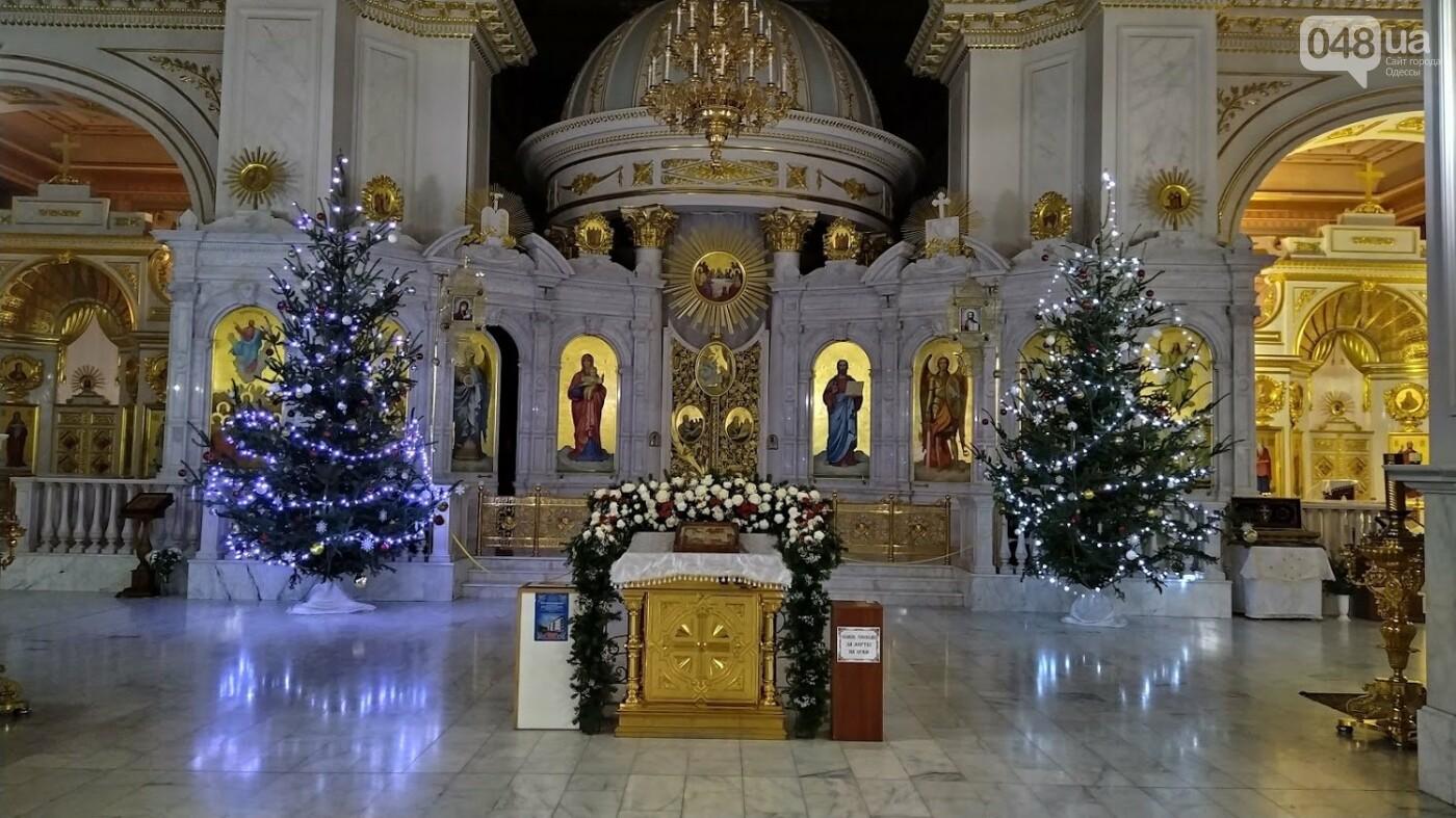 Фотопятница: как в Одессе украсили церкви на Рождество, - ФОТОРЕПОРТАЖ, фото-16, ФОТО: Александр Жирносенко