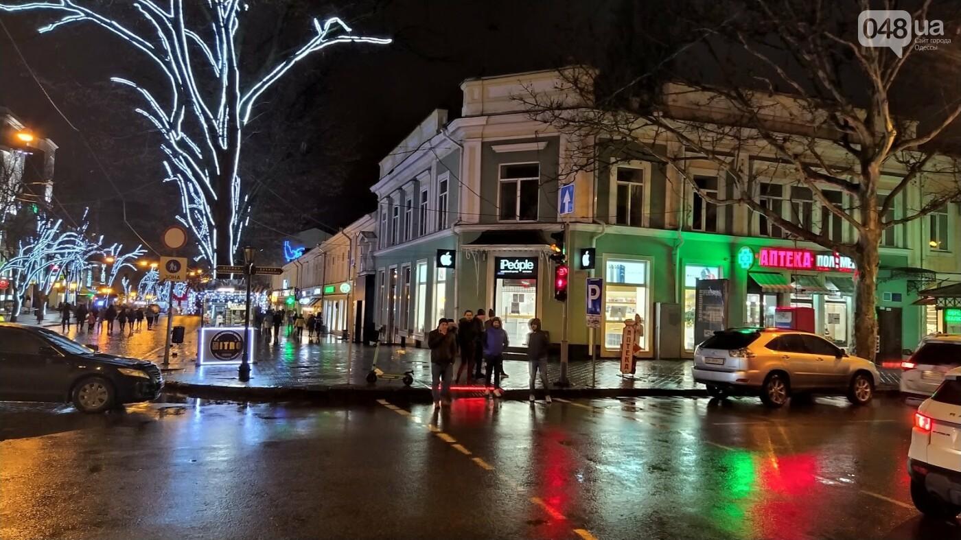Локдаун в Одессе: как соблюдают правила карантина в центре города,- ФОТО, фото-28, ФОТО: Александр Жирносенко