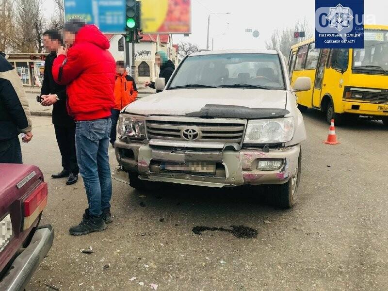 Есть пострадавшие: в Одессе джип, седан и грузовик не подел..., фото-55