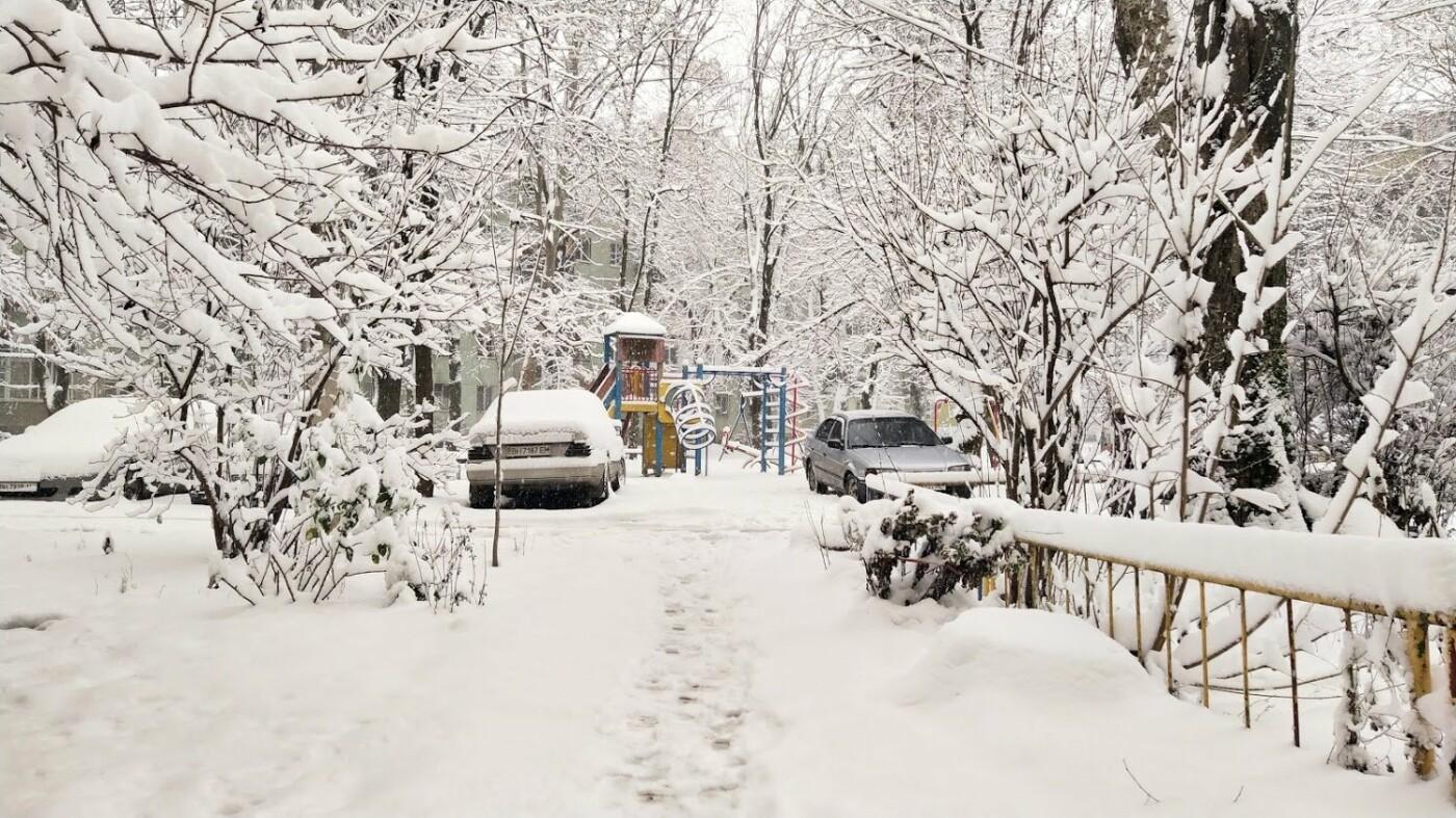 Одессу накрыло снегом: 20 кадров с заснеженных улиц города, - ФОТОРЕПОРТАЖ, фото-1, ФОТО: Александр Жирносенко