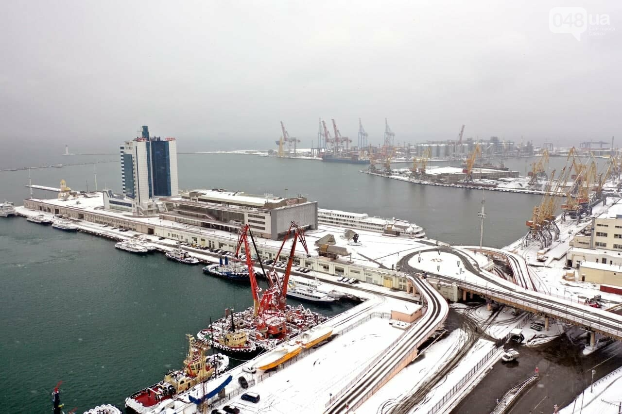 Как во время снегопада работал Одесский порт, - ФОТО, фото-19, ФОТО: АМПУ