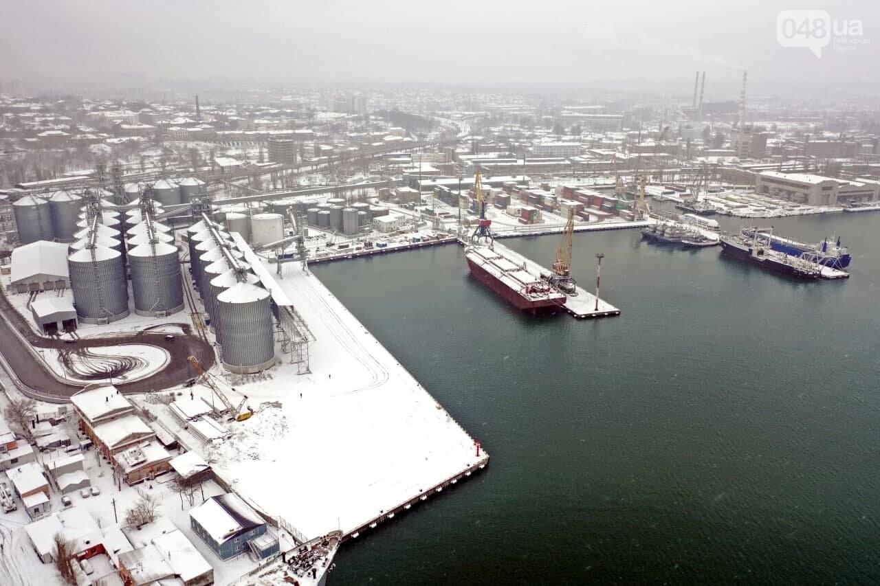 Как во время снегопада работал Одесский порт, - ФОТО, фото-20, ФОТО: АМПУ