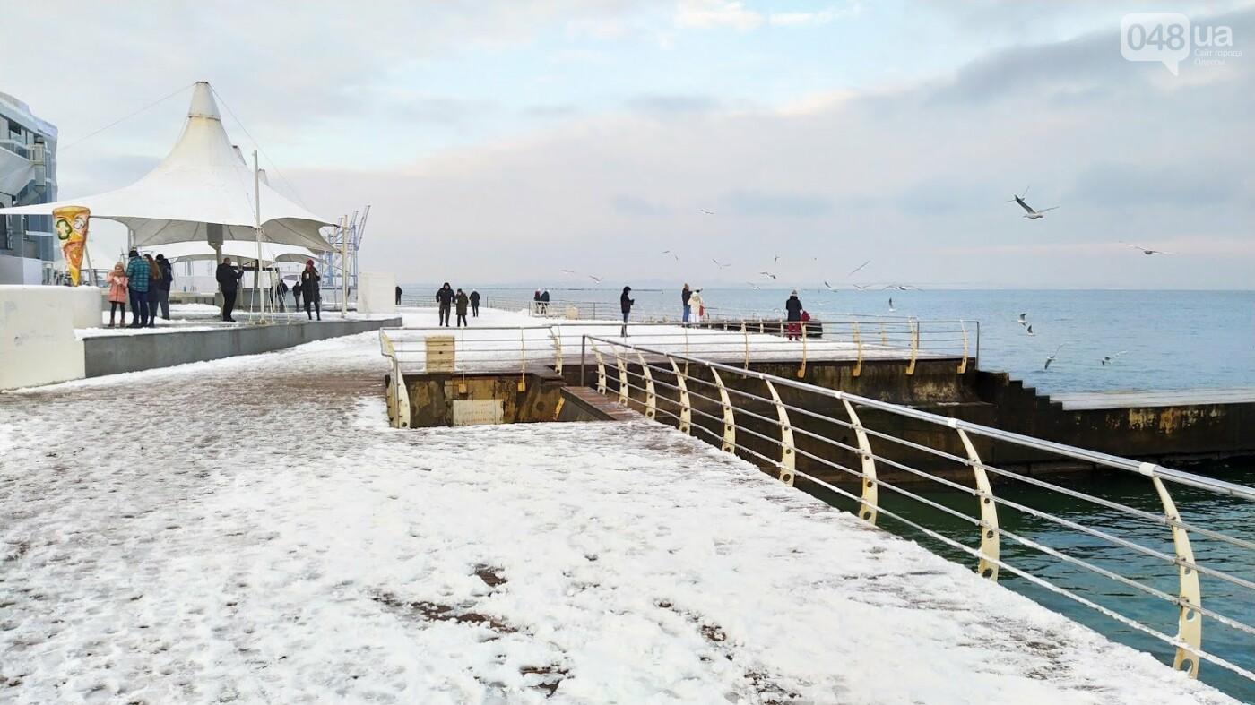 Белые пляжи и зимняя набережная: как одесское побережье замело снегом, - ФОТОРЕПОРТАЖ, фото-2, ФОТО: Александр Жирносенко
