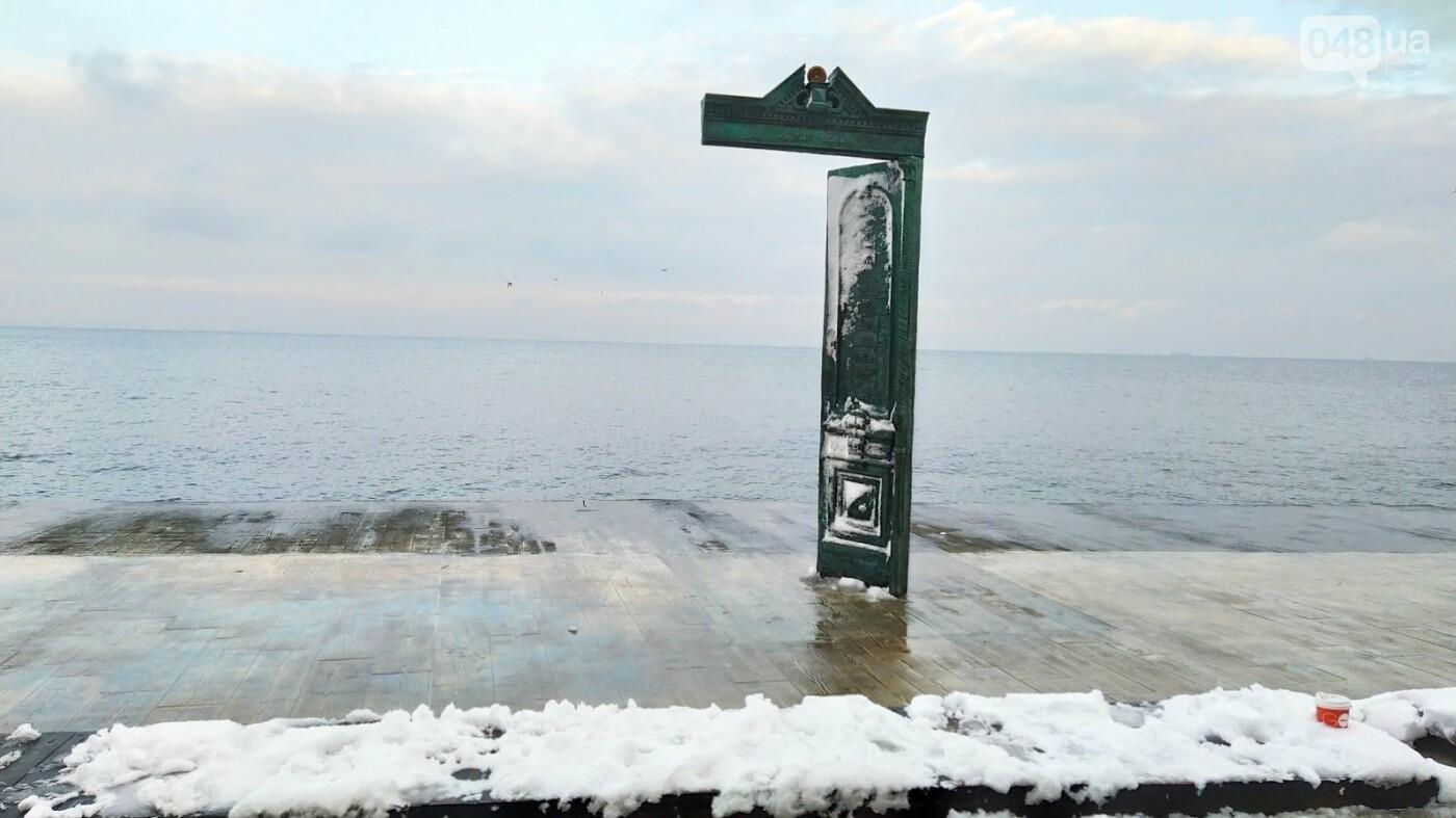 Белые пляжи и зимняя набережная: как одесское побережье замело снегом, - ФОТОРЕПОРТАЖ, фото-5, ФОТО: Александр Жирносенко