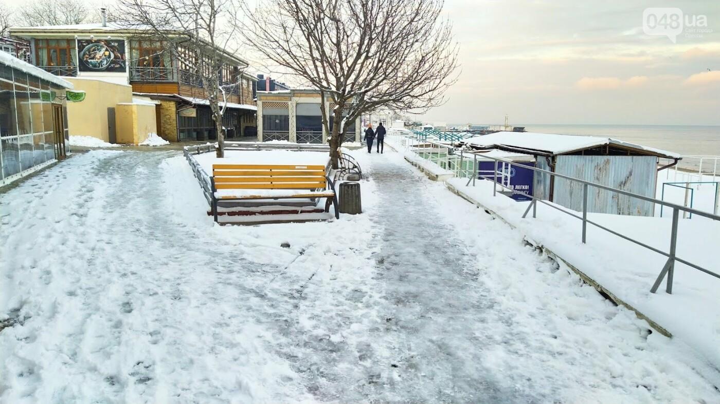 Белые пляжи и зимняя набережная: как одесское побережье замело снегом, - ФОТОРЕПОРТАЖ, фото-22, ФОТО: Александр Жирносенко
