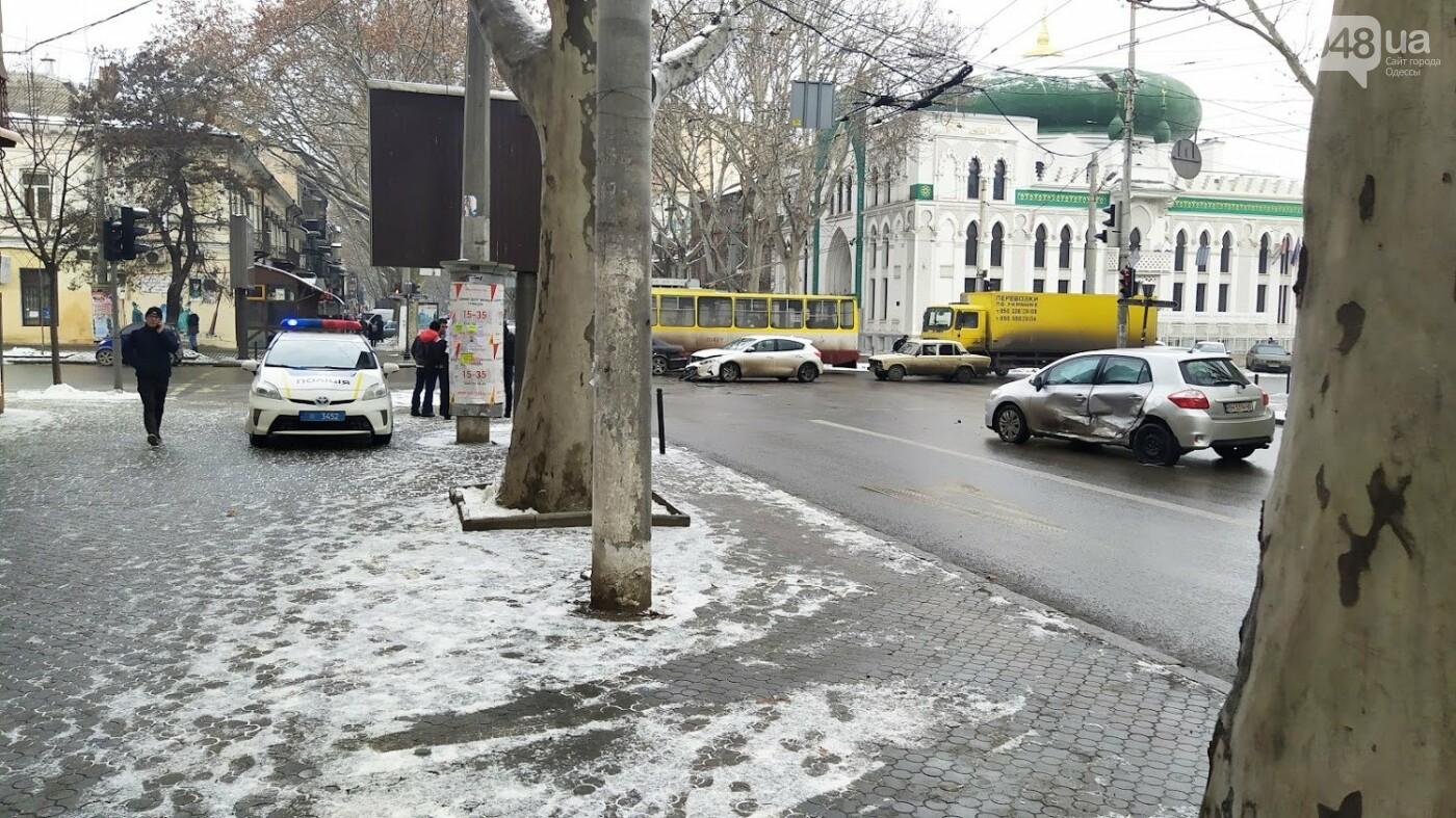 ДТП в центре Одессы: на Ришельевской столкнулись два автомо..., фото-11
