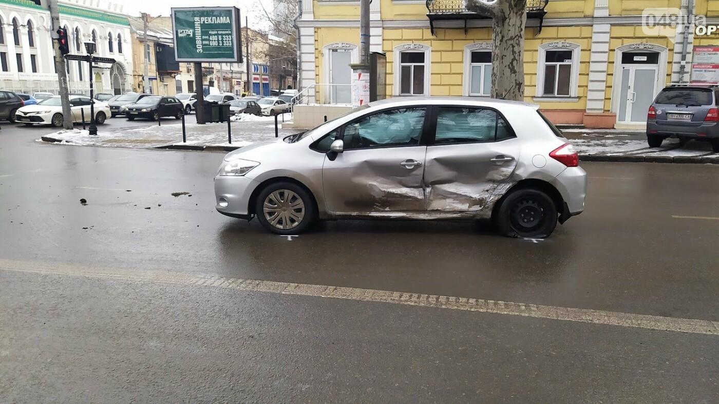 ДТП в центре Одессы: на Ришельевской столкнулись два автомо..., фото-22