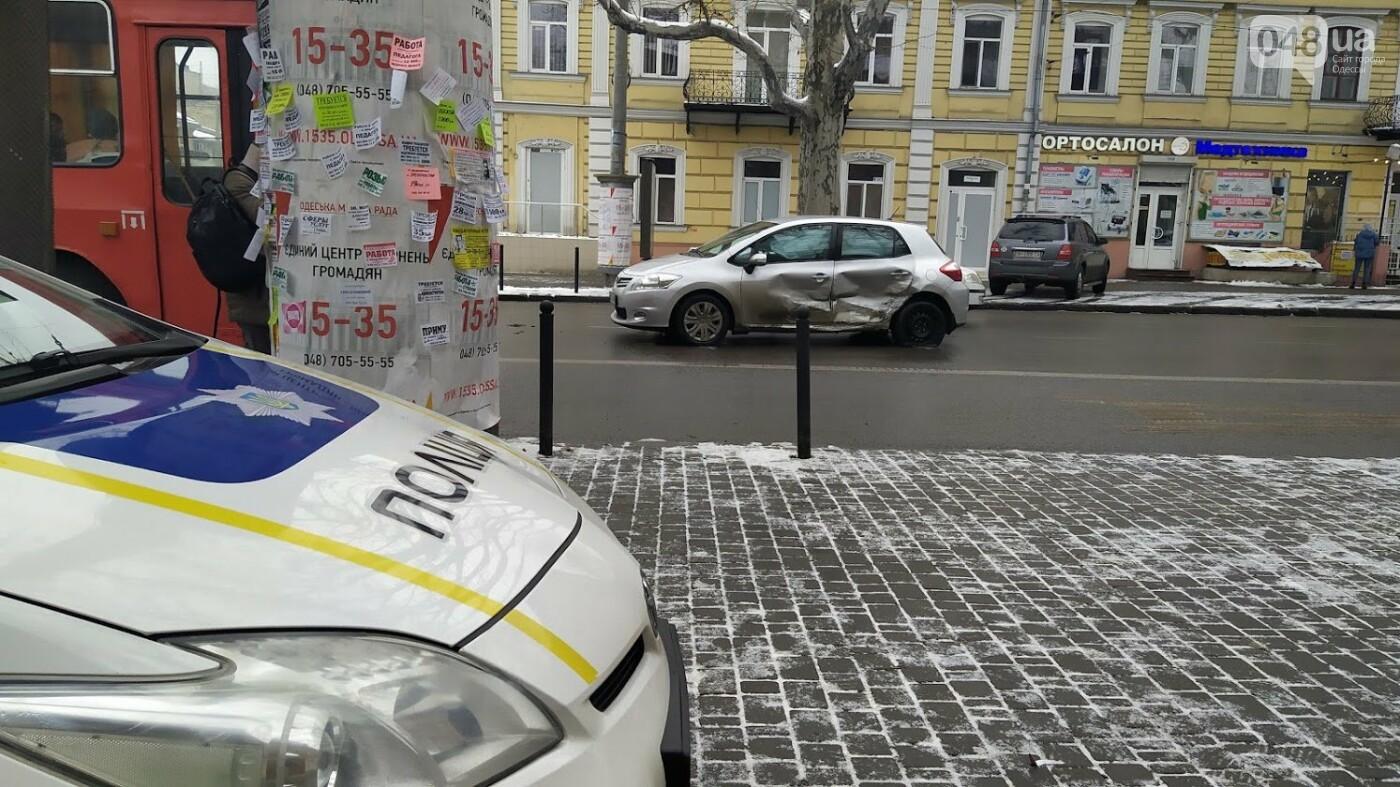 ДТП в центре Одессы: на Ришельевской столкнулись два автомо..., фото-66