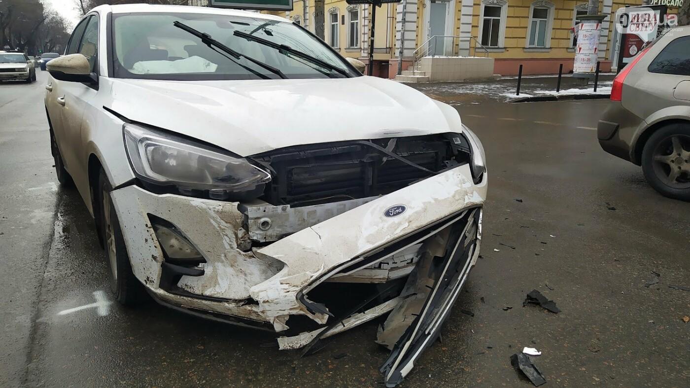 ДТП в центре Одессы: на Ришельевской столкнулись два автом..., фото-1010