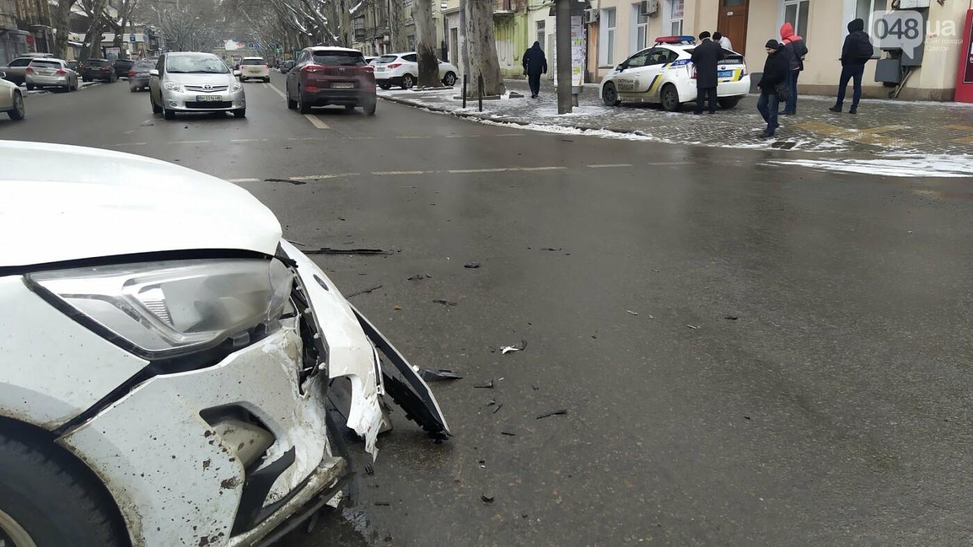 ДТП в центре Одессы: на Ришельевской столкнулись два автом..., фото-1111