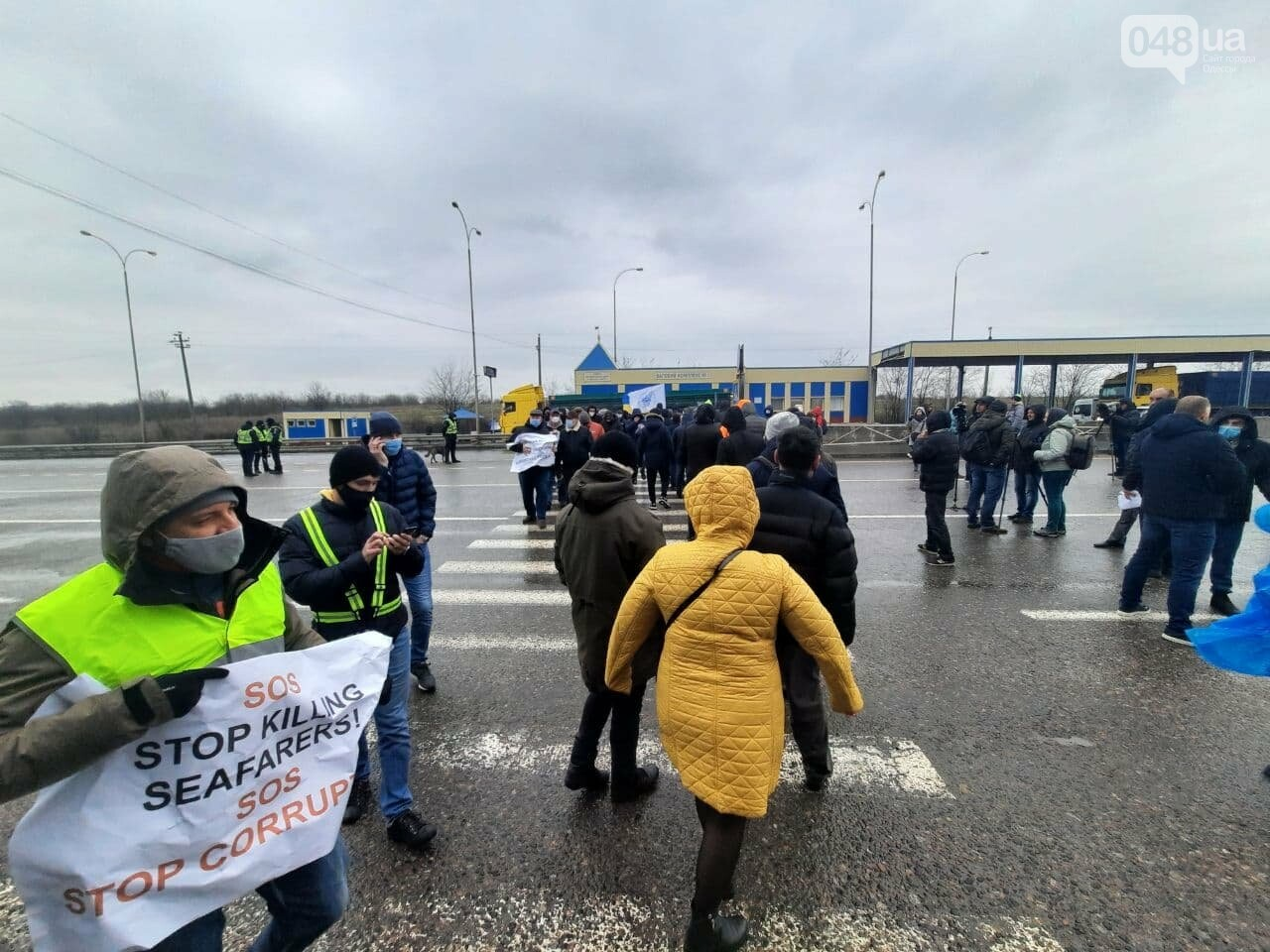 В Одессе моряки перекрыли трассу,- ФОТО, ВИДЕО, фото-7