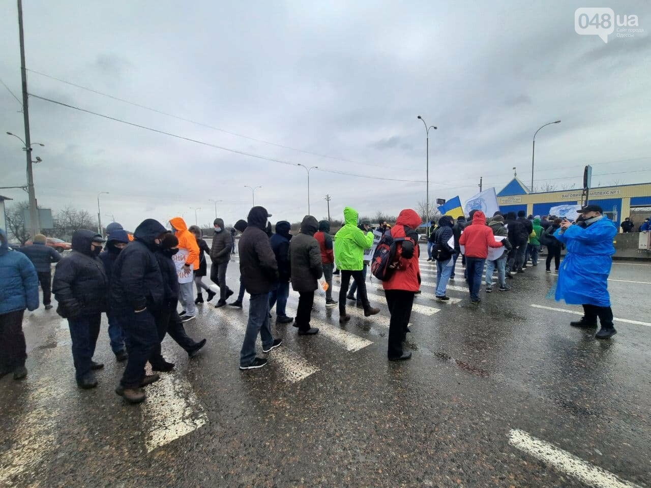 В Одессе моряки перекрыли трассу,- ФОТО, ВИДЕО, фото-6