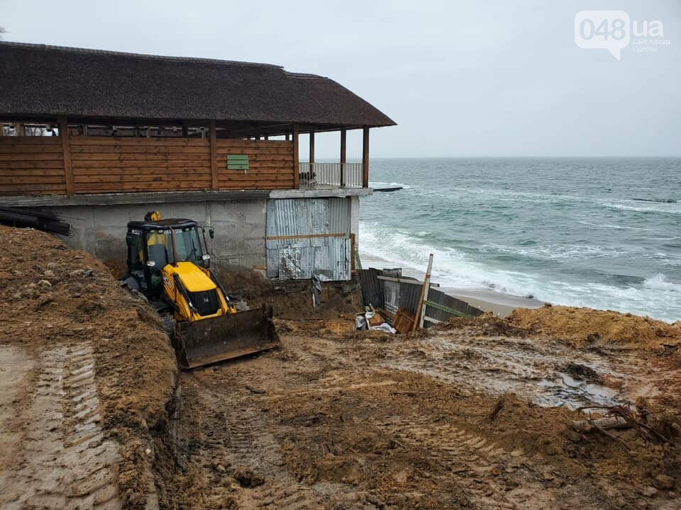 Нахалстрой на побережье Одессы: владельцы кафе захватили кусок пляжа в Аркадии,- ФОТО, ВИДЕО, фото-5