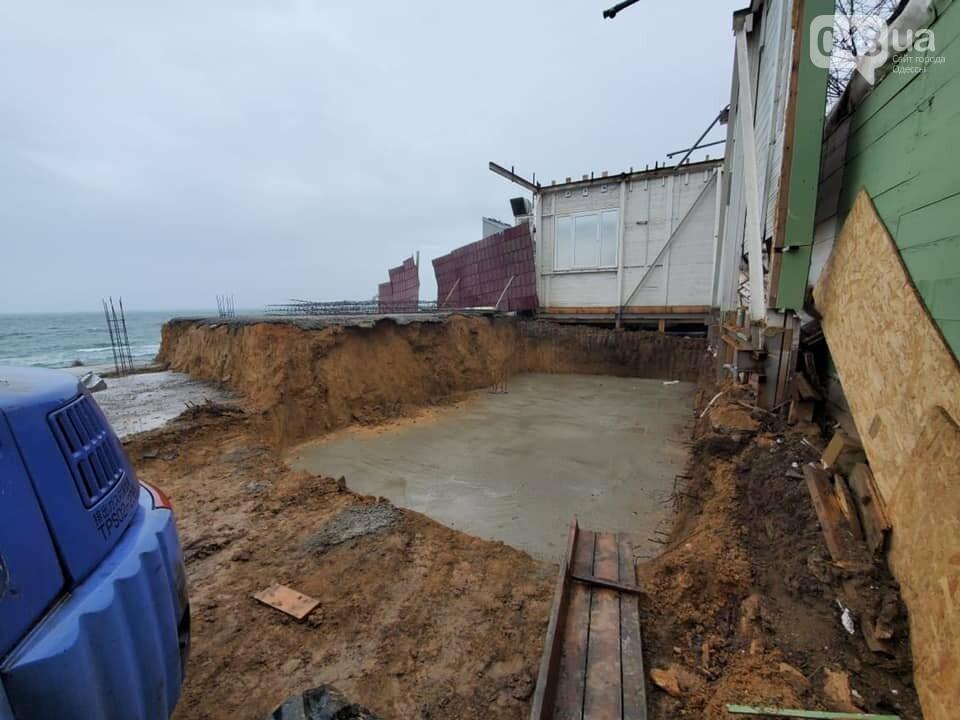 Нахалстрой на побережье Одессы: владельцы кафе захватили кусок пляжа в Аркадии,- ФОТО, ВИДЕО, фото-4