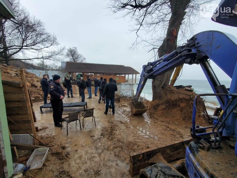 Нахалстрой на побережье Одессы: владельцы кафе захватили кусок пляжа в Аркадии,- ФОТО, ВИДЕО, фото-2