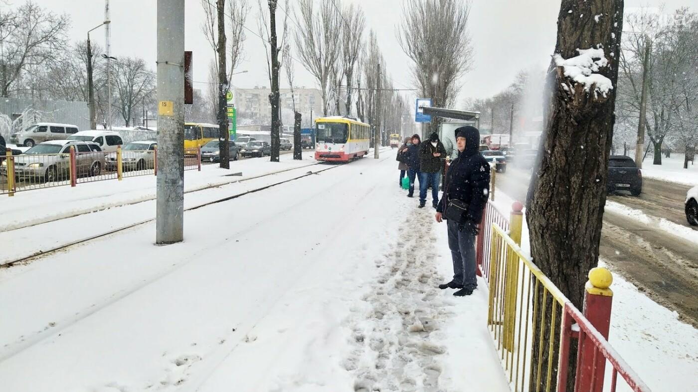 Снегопад в Одессе: как ходит общественный транспорт в городе, - ФОТО, фото-1, ФОТО: Александр Жирносенко