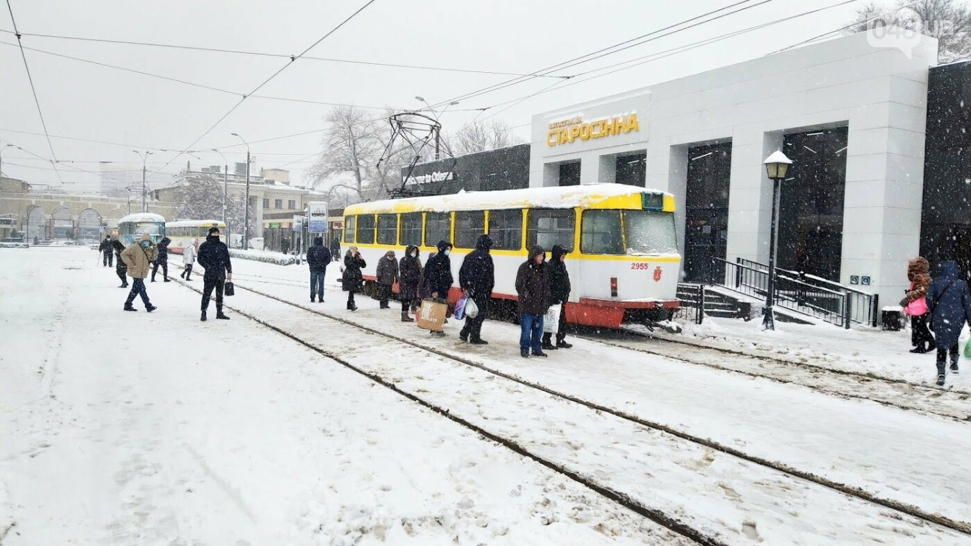 Снегопад в Одессе: как ходит общественный транспорт в городе, - ФОТО, фото-9, ФОТО: Александр Жирносенко