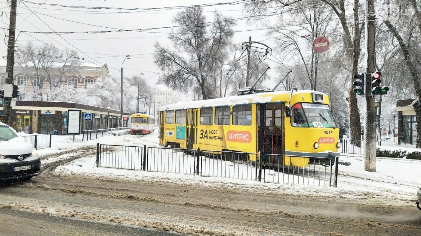 Снегопад в Одессе: как ходит общественный транспорт в городе, - ФОТО, фото-12, ФОТО: Александр Жирносенко